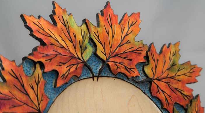 Carved Leaf Oak #285