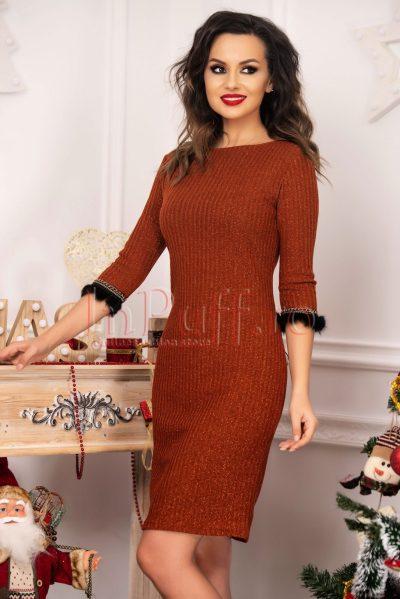 Rochie tricotata caramizie cu fir lame