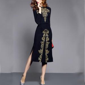 Rochie de damă cu guler drept și imprimeu îndrăzneț