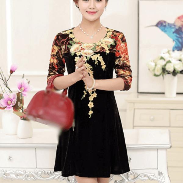 Rochie midi elegantă din catifea cu broderie florală