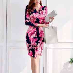 Rochie sexy mărime slim și elastic, cu imprimeu floral și decolteu în V