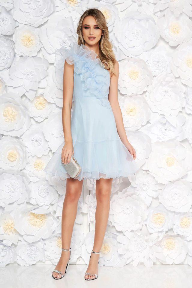 Rochie albastra-deschis de ocazie scurta din material transparent cu volanase Ana Radu