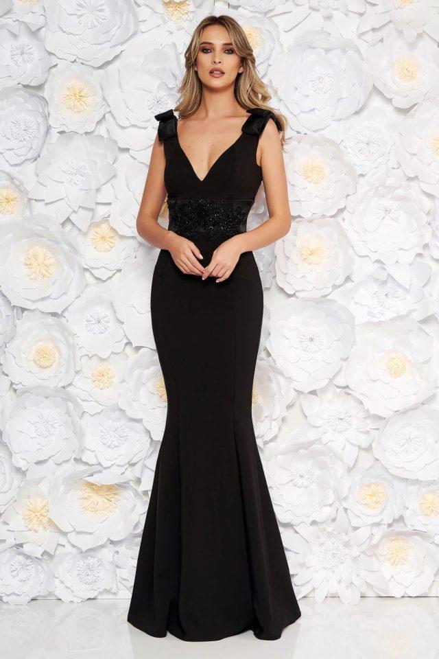 Rochie neagra de ocazie lunga tip sirena din stofa subtire usor elastica accesorizata cu fundite cu aplicatii de dantela