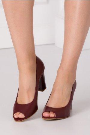 Pantofi dama grena decupati la varf