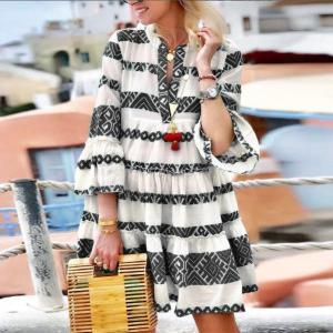 Rochie de zi cu imprimeu traditional