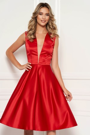 Rochie rosie de ocazie asimetrica in clos