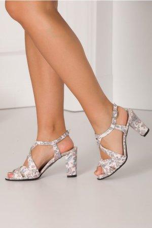 Sandale ivoire cu imprimeu floral in nuante pastelate