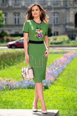 Rochie de zi verde midi cu broderie motive traditionale si maneca scurta