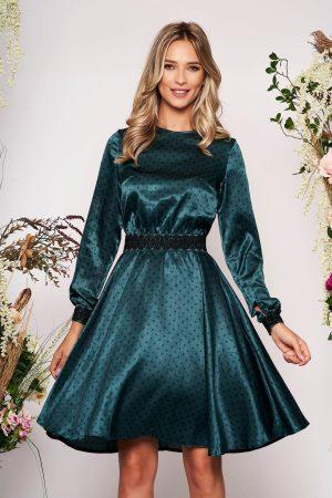Rochie verde eleganta in clos din material satinat cu insertii de broderie