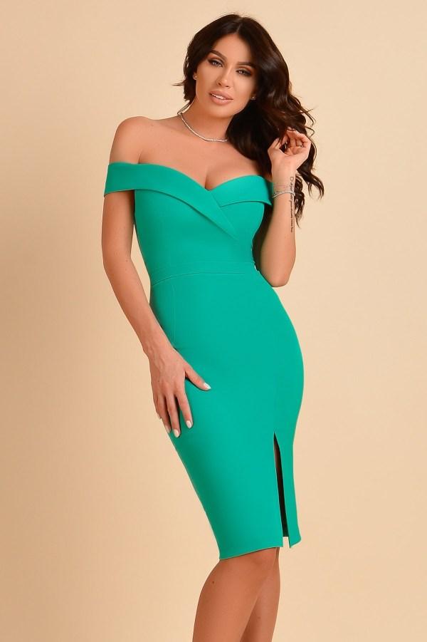 Rochie eleganta verde lasata pe umeri cu croi cambrat