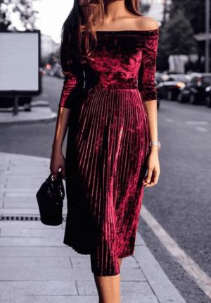Rochie midi eleganta din catifea cu fusta plisata