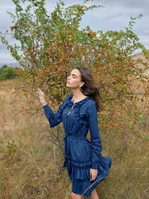 Rochie de zi scurta bleumarin cu volane si snur la talie Framboise