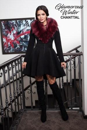 Palton negru elegant tip babydoll cu blanita ecologica bordo