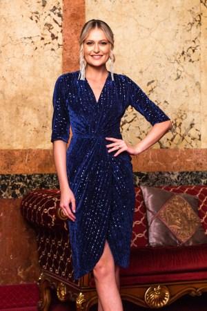 Rochie albastru-inchis de ocazie din catifea cu paiete cu decolteu
