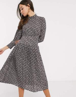Rochie de zi in clos cu guler inalt si imprimeu abstract Asos