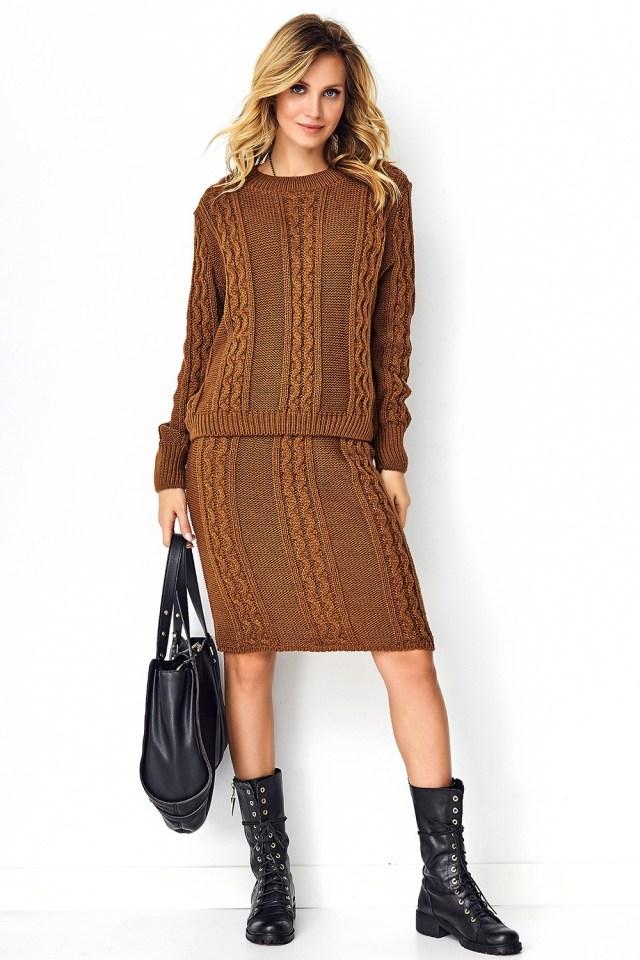 Compleu dama maro din material tricotat