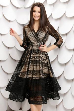 Rochie de ocazie eleganta midi din dantela neagra si captuseala crem