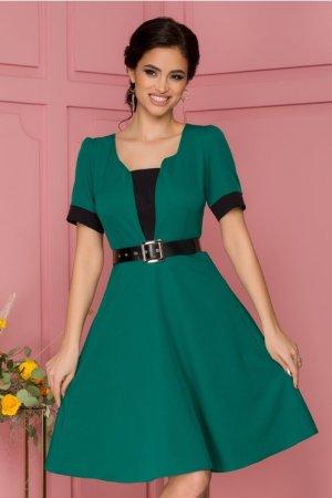 Rochie eleganta midi in clos verde cu curea in talie si decolteu cu decupaj