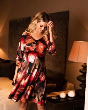 Rochie eleganta pentru gravide cu imprimeu floral