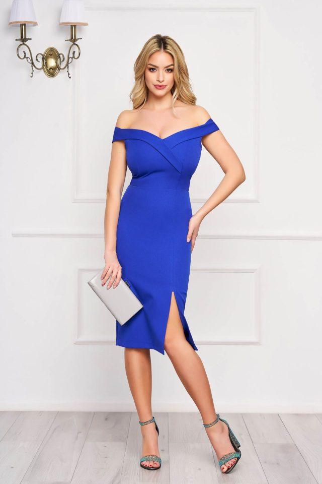 Rochie eleganta de ocazie albastra midi cu umeri goi crapata pe picior