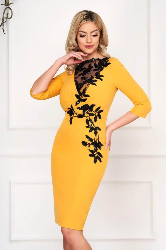 Rochie eleganta de ocazie midi mustarie mulata cu broderie florala