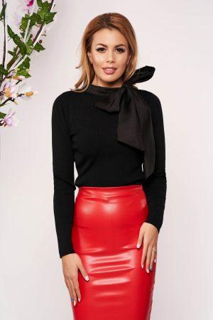Bluza dama neagra eleganta scurta tricotata cu un croi cambrat care se leaga cu fundita