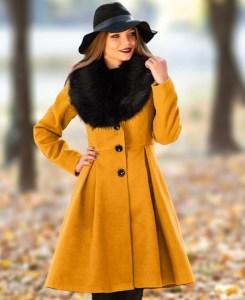 Palton dama mustar lung evazat cu guler din blana din stofa