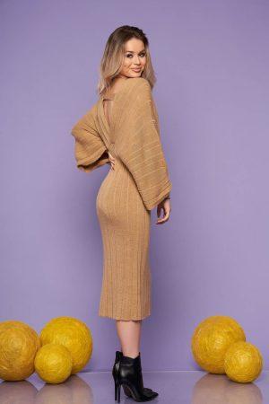 Rochie cappuccino midi de zi din material tricotat cu un croi drept cu decolteu in v si maneci largi
