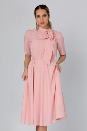 Rochie roz pudrat cu nasturi si funda la guler