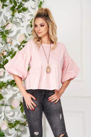 Bluza dama roz deschis eleganta scurta cu croi larg din bumbac subtire cu accesoriu tip colier