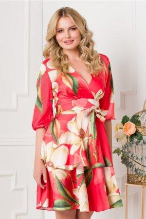Rochie eleganta rosie cu imprimeu floral si volanase la baza
