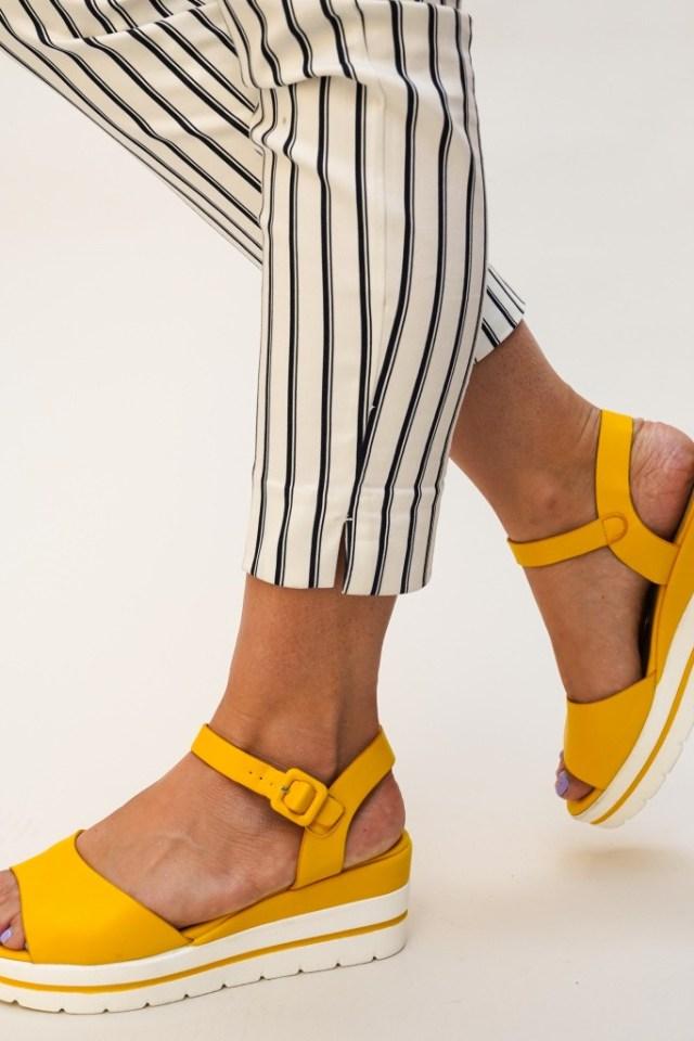 Sandale galbene cu platforma din piele ecologica