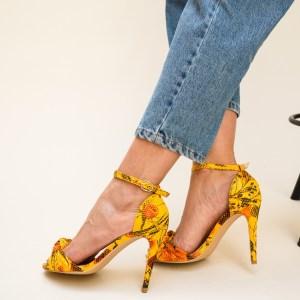 Sandale galbene cu toc subtire din piele eco cu imprimeu