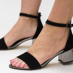 Sandale negre cu toc din piele eco lacuita si imitatie catifea