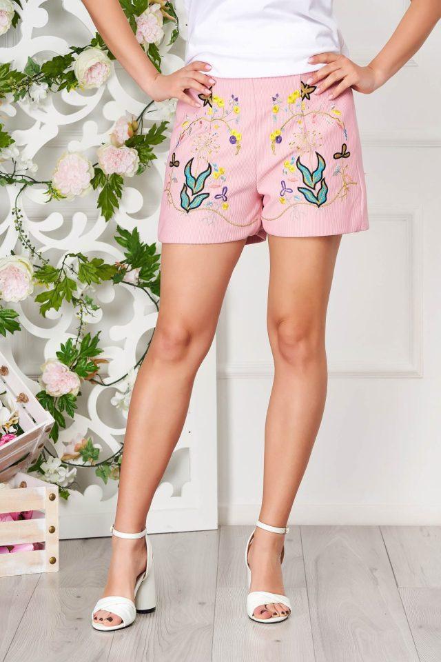 Pantalon scurt roz prafuit casual din bumbac reiat cu talie medie si elastic