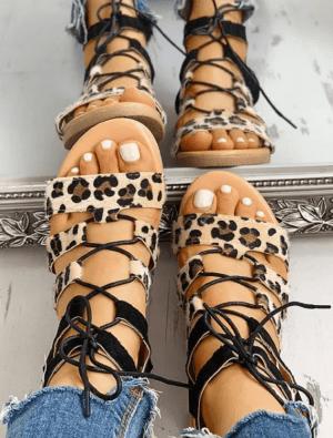 Sandale negre joase cu imprimeu