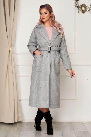 Palton gri elegant cu un croi drept din stofa neelastica cu buzunare