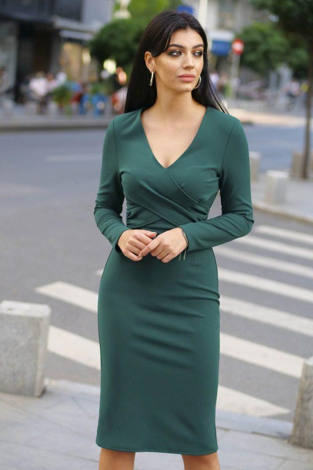 Rochie Artista verde eleganta cu un croi mulat cu decolteu in v