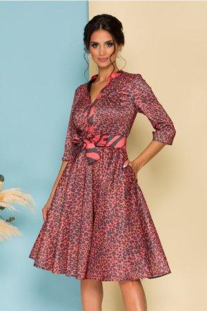 Rochie eleganta midi in clos caramizie cu animal print si decolteu V