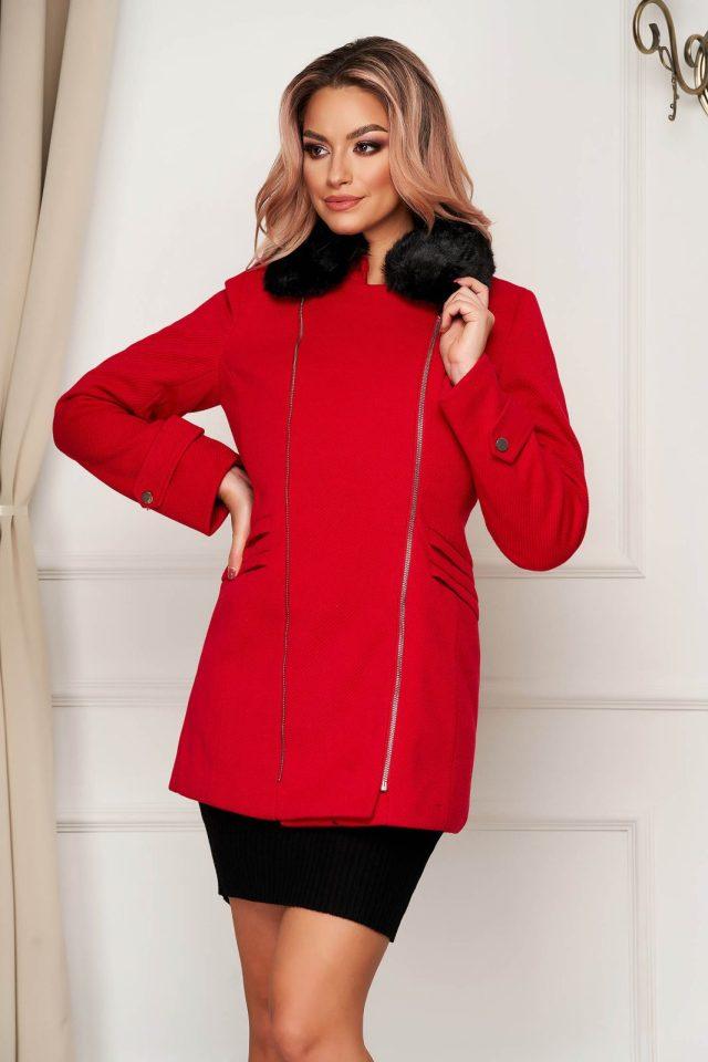 Palton SunShine rosu elegant scurt cu croi drept din stofa accesorizat cu guler din blana ecologica