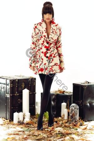 Palton ivoire cu broderie florala
