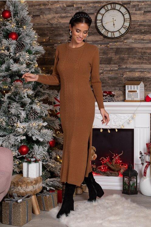 Rochie Sabrina midi maro din tricot cu design impletit