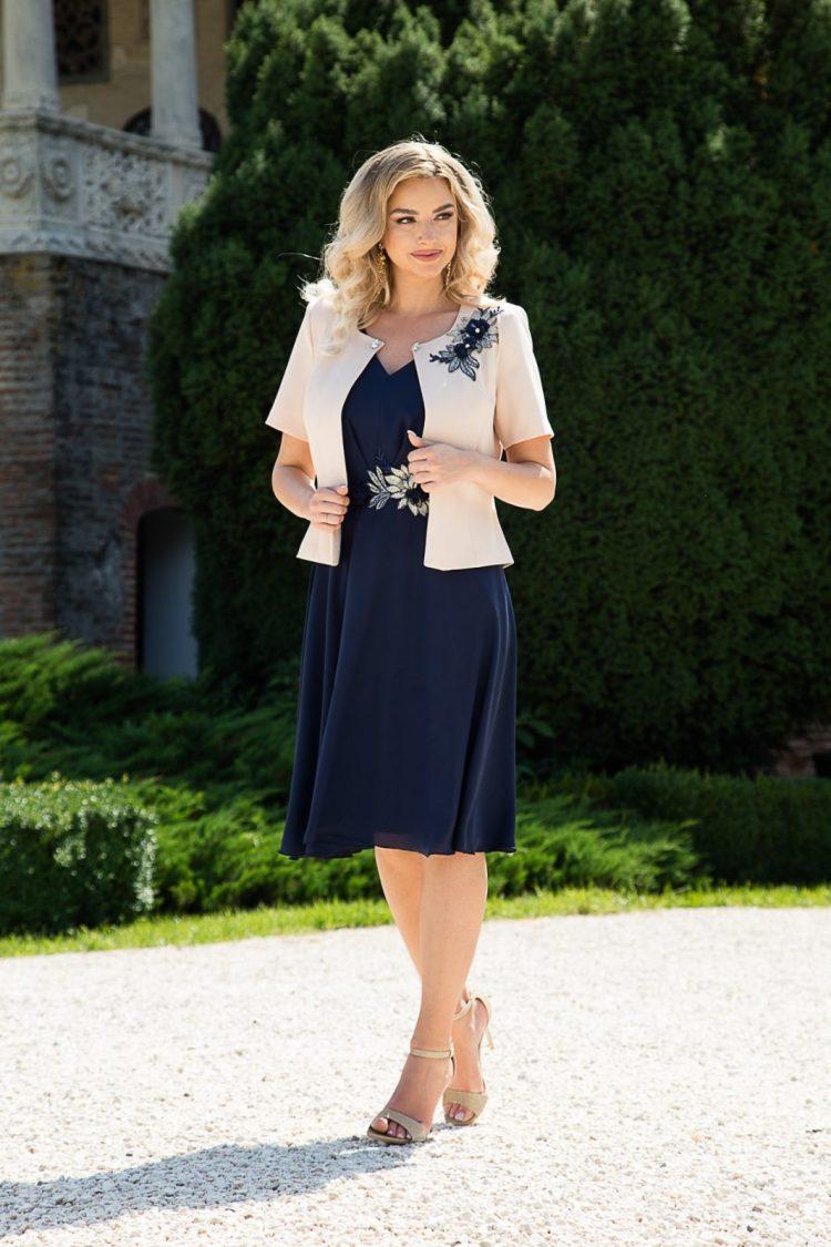 Costum elegant cu rochie midi bleumarin