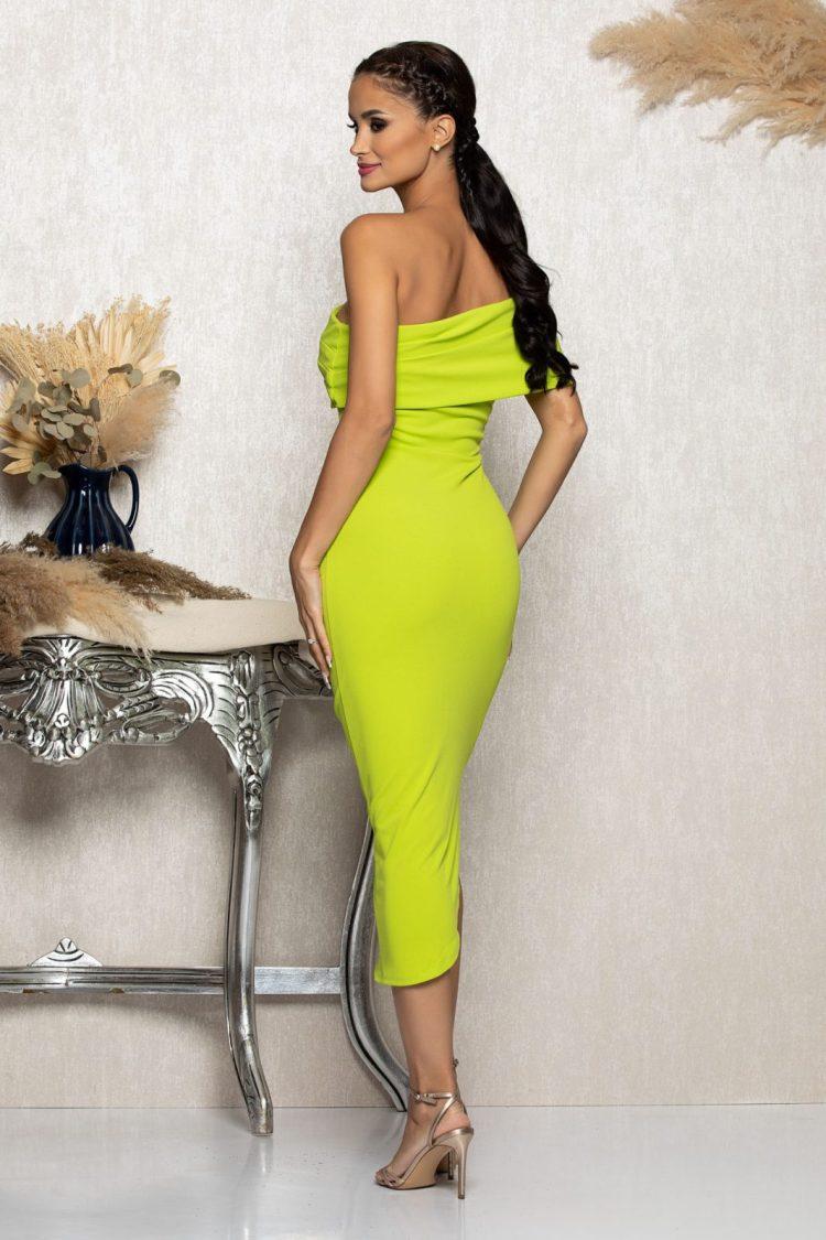 Rochie eleganta midi de ocazie verde fistic cu umerii goi