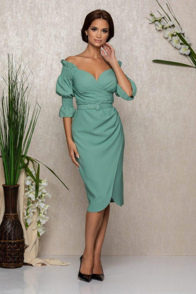 Rochie eleganta vernil midi cu decoleu pe umeri