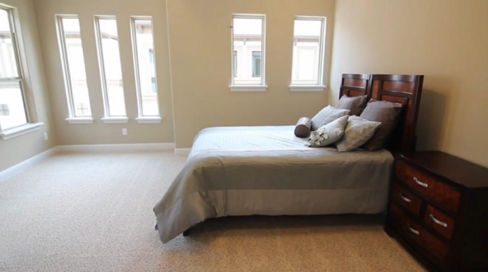 Stillman - Masterbedroom - 6111 Stillman