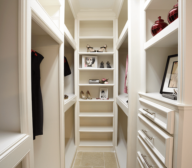 The Villas on Graustark - Master Closet