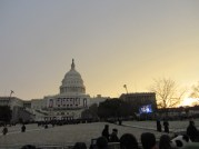 A light sun with the Capitol.