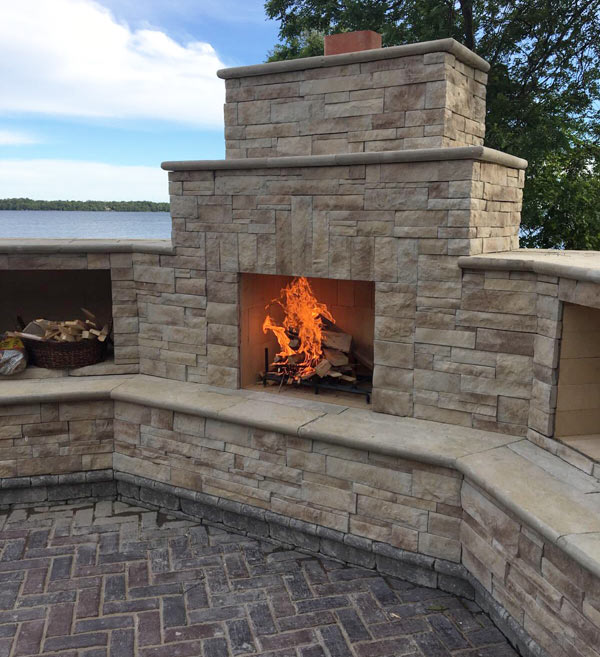 outdoor kitchens living and fireplaces