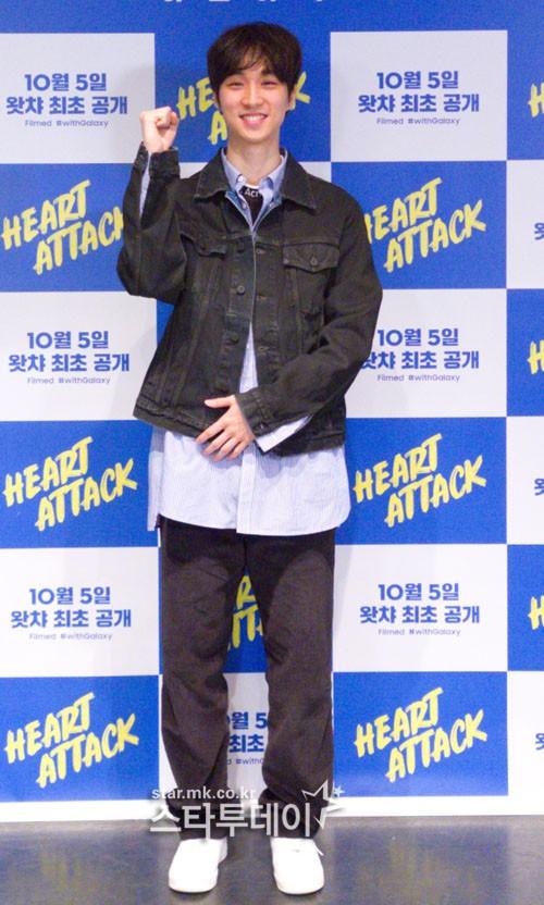 Sutradara Lee Chung Hyun pada konferensi press film Heart Attack Sumber gambar: star.mk.co.kr